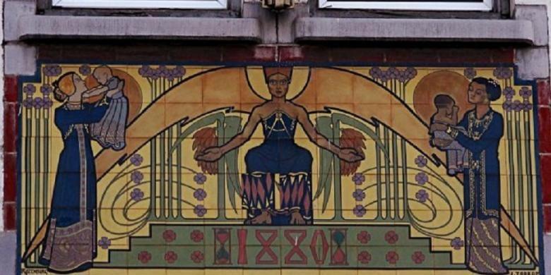 mahandis y thamrin mosaik porselen karya jan toorop di gedung tinggalan algemeene maatschappij van levensverzekering en lijfrente di jalan jembatan merah