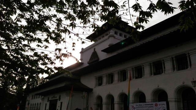 sambut pagi di gedung peninggalan belanda terindah di indonesia