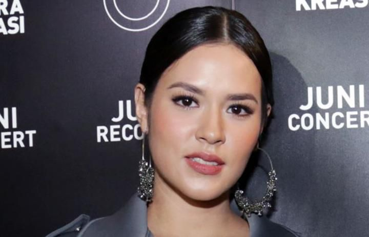 raisa tabloidbintang com