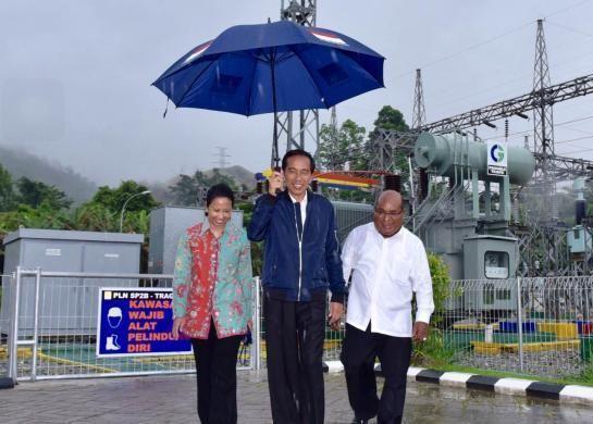 11 payung biru di papua