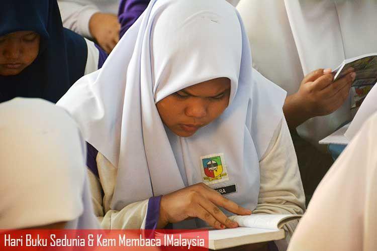 hari buku sedunia dan kem membaca 1malaysia ini pelbagai aktiviti pertandingan dianjurkan oleh pusat sumber sekolah antaranya ialah teka silang kata