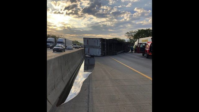 overturned truck honey spill 42461 15295840 ver1 0 640 360 jpg
