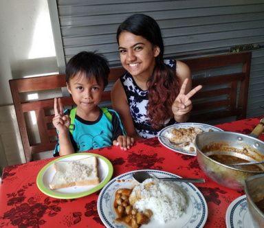 coba makanan india bersama tante sameeksha