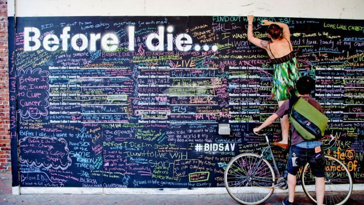 salah satu teka teki yang tidak akan pernah bisa dijawab manusia adalah perkara kematian mungkin 25 tahun lagi bulan depan atau besok manusia tidak