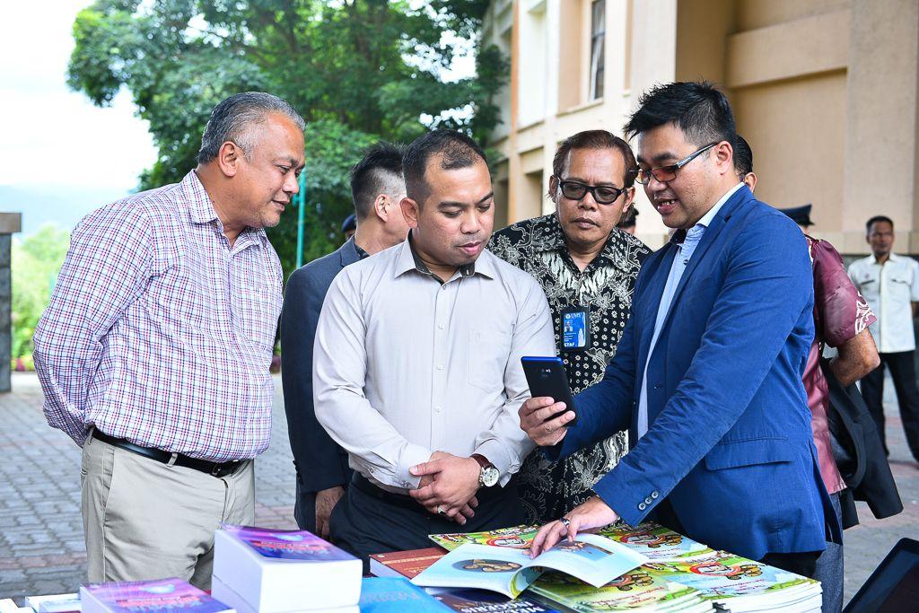 jumaat 21 disember hasil perjanjian kerjasama penerbitan yang telah dimeterai antara universiti malaysia sabah ums dan dewan bahasa dan pustaka dbp