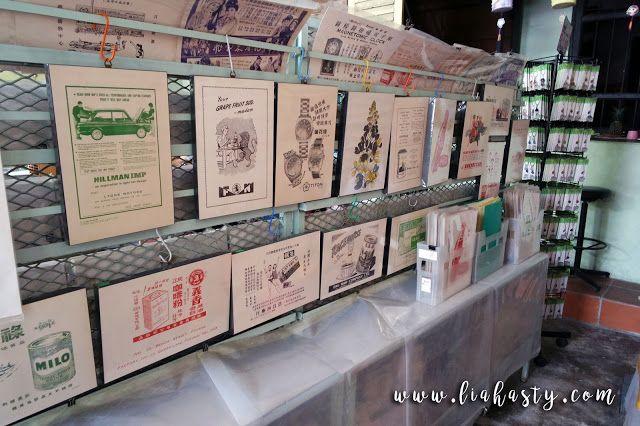 jika anda seorang yang artistik anda boleh mereka sendiri poskad anda dengan cara anda melukis mewarna atau stamp on atas poskad kosong