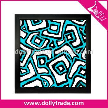 pola geometris abstrak lukisan di atas kertas