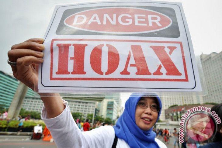 Poster Anti Hoax Hebat Literasi Anti Hoax Perempuan Dan Berita Palsu Antara News