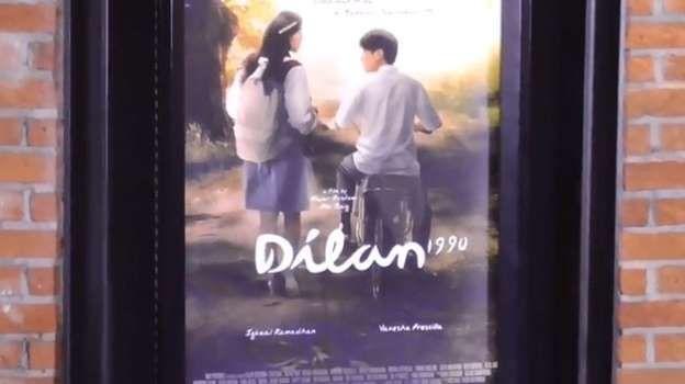 poster film dilan 1990 youtube